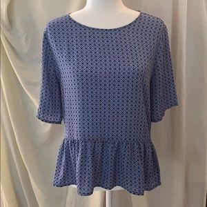 Banana republic blouse- blue geometric pattern